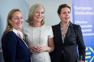 The European Ombudsman with Cecilia Wikström (right) and Marlene Mizzi (left), respectively Chair and Vice-Chair of the European Parliament's Committee on Petitions, at the reception to mark the twentieth anniversary of the European Ombudsman office.