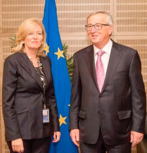 The European Ombudsman with the President of the European Commission, Jean-Claude Juncker.