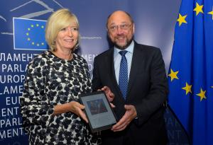 Emily O'Reilly presented her Annual Report for 2013 to Martin Schulz on 15 September 2014