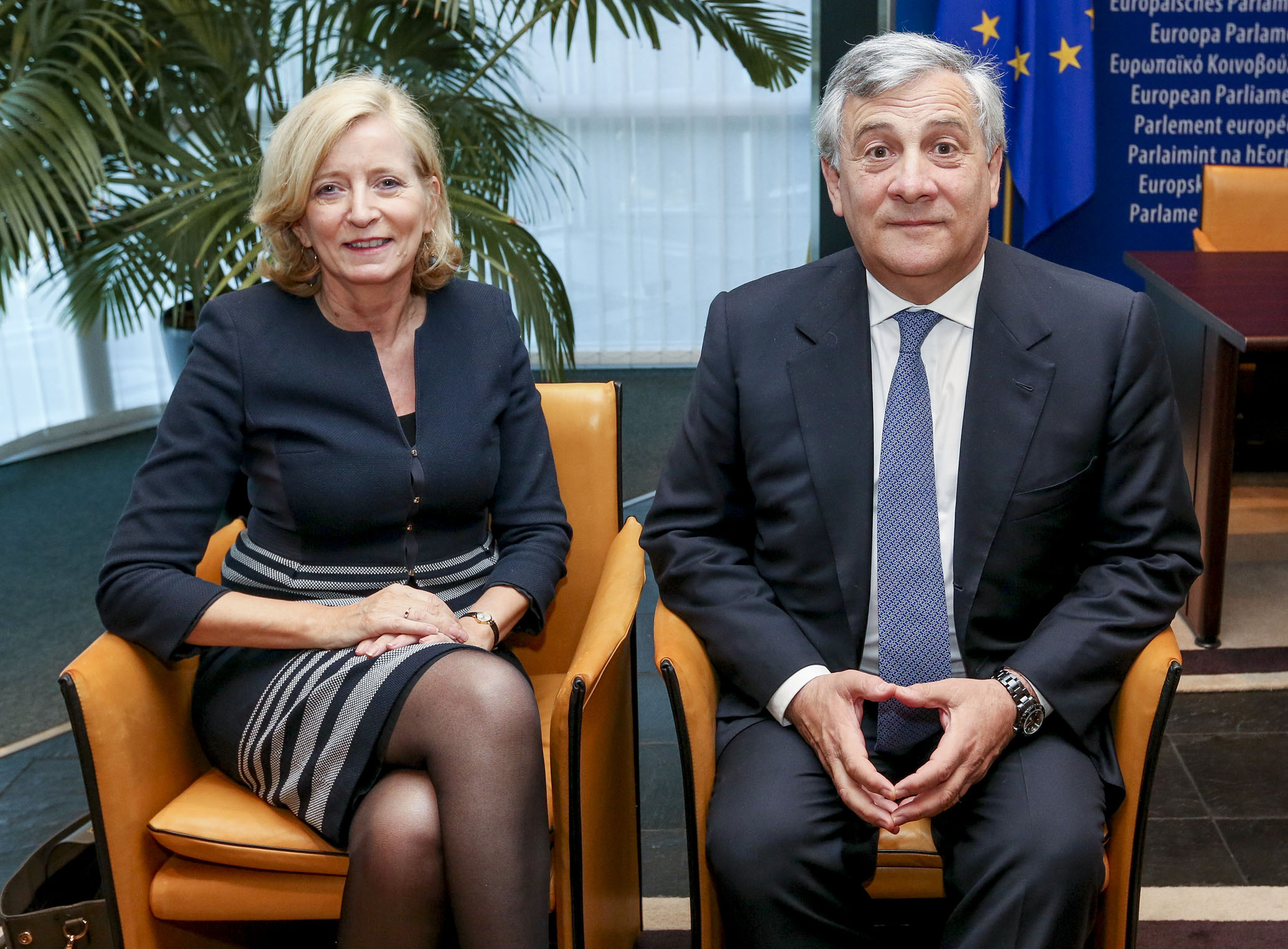 Den Europæiske Ombudsmand i et møde med formanden for Europa-Parlamentet Antonio Tajani.