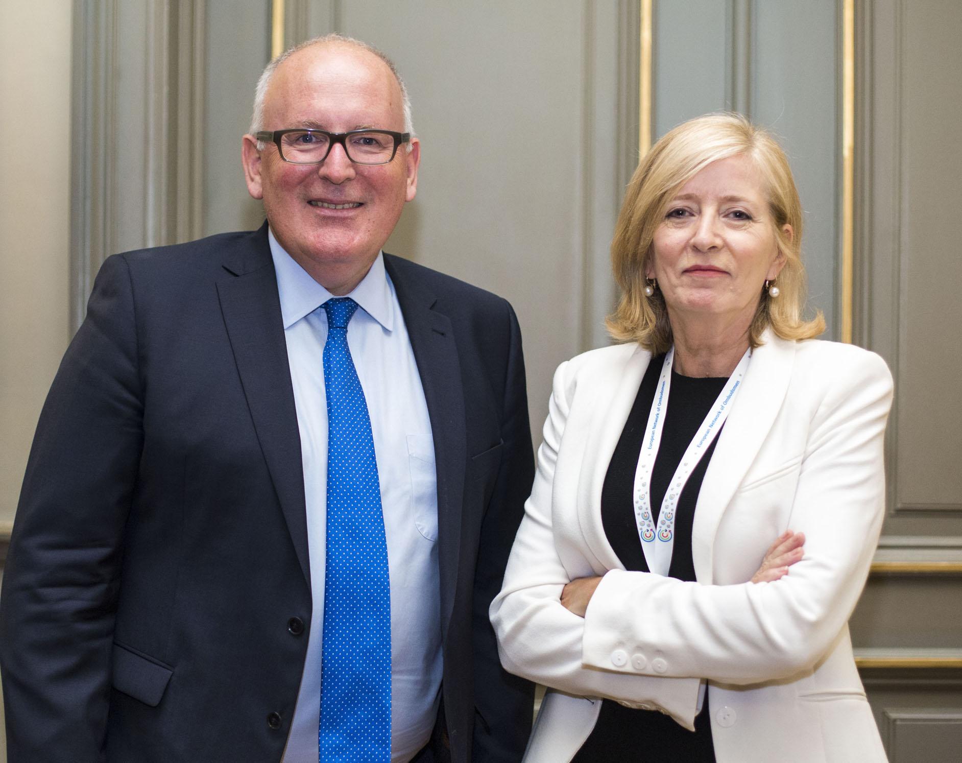 Europska ombudsmanica s Fransom Timmermansom, prvim potpredsjednikom Europske komisije odgovornim za bolju regulativu, međuinstitucijske odnose, vladavinu prava i Povelju o temeljnim pravima.